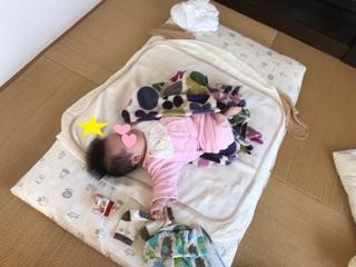 足上げ睡眠.JPG